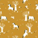 Kinderkamer-behang-paarden-mosterdgeel-Bora-Illustraties