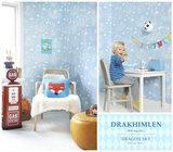 Kinderkamer-behang-Majvillan-Dragon-Light-Blue-detail