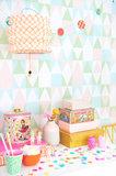 Kinderkamer-behang-Majvillan-Alice-Candy-kamer