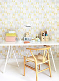 Kinderkamer-behang-Majvillan-Alice-Pink-Yellow-kamer
