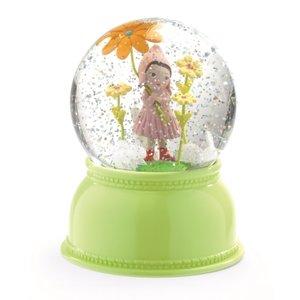 Djeco-nachtlampje-sneeuwbol-lief-meisje