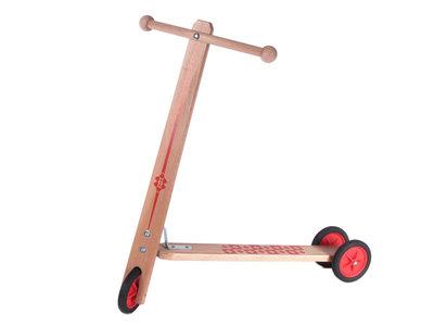 Houten-step-met-3-wielen