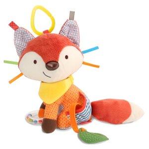 skip-hop-acitivity-bandana-buddie-fox